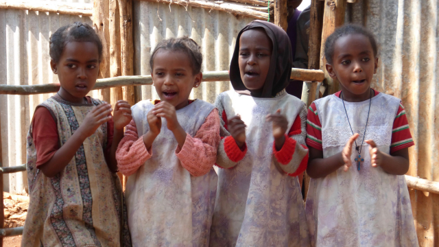 children_singing_ethiopia