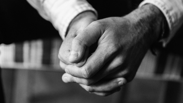 bw_hands_prayer_unsplash