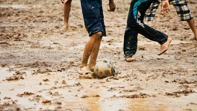 football_muddy_game_sports