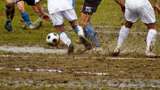 football_muddy_team_game