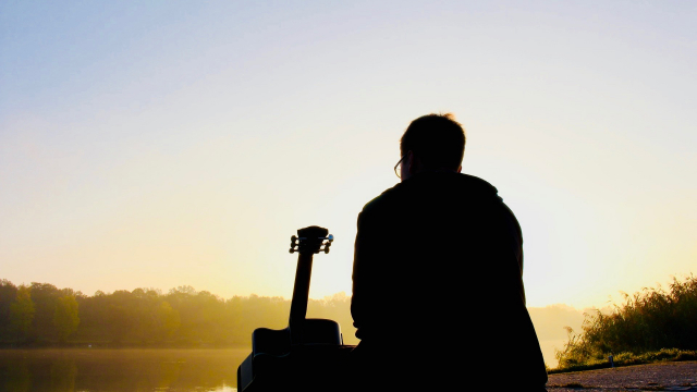 guitar_man_sunset