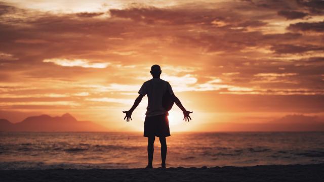 man_pray_beach_sunset_unsplash