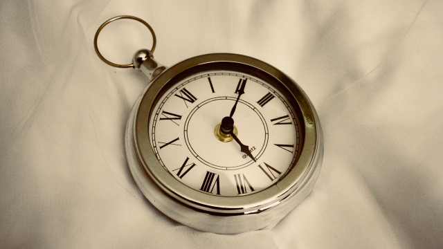 silver_pocket_watch_time