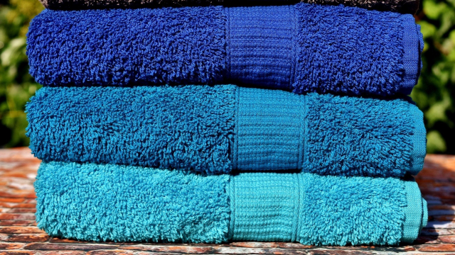 towels_folded_outside